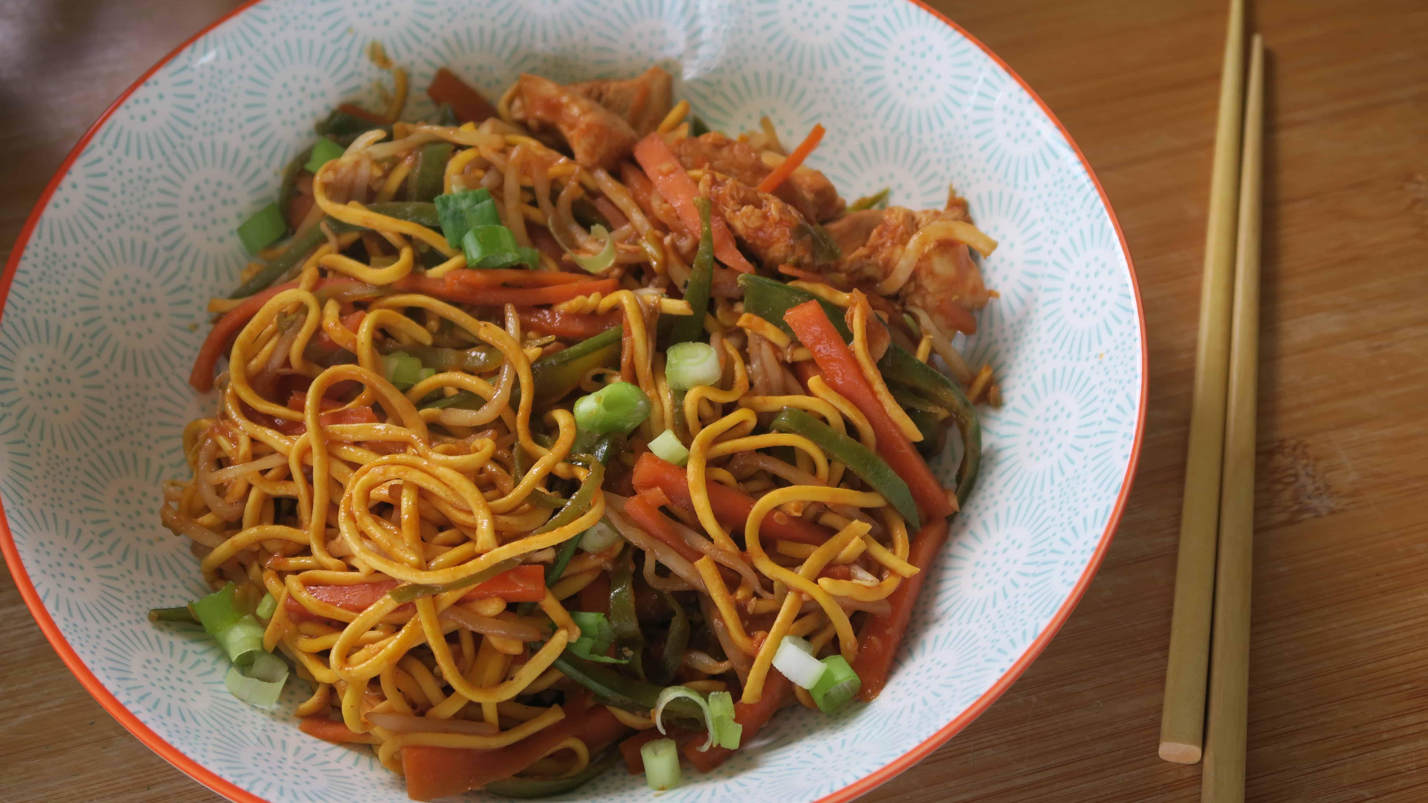 Gluten free chicken chow mein recipe - easy chow mein recipe - gluten free chow mein - gluten free chinese food - chow mein