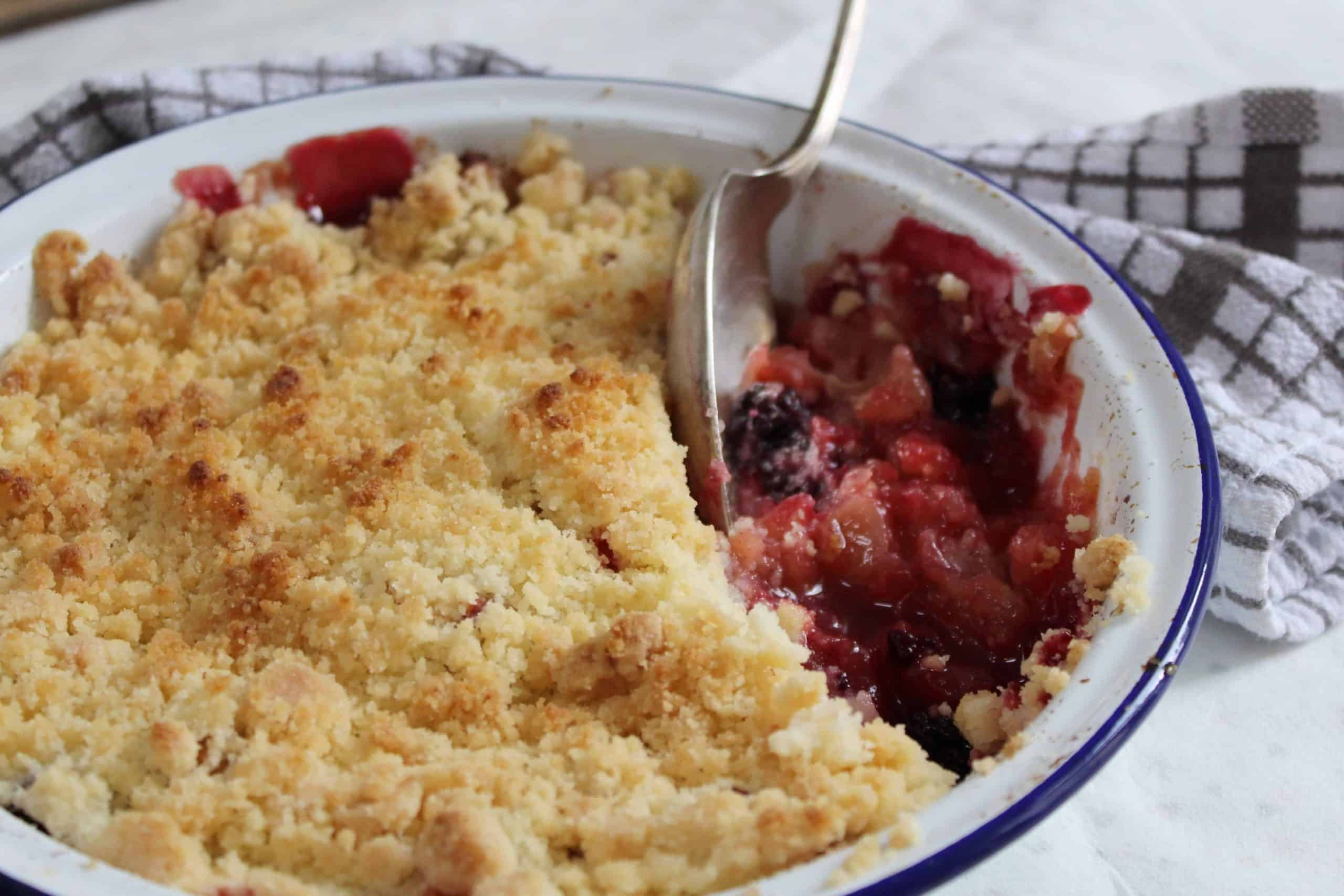 gluten free apple and blackberry crumble recipe