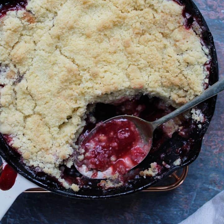 gluten free plum crumble with amaretto
