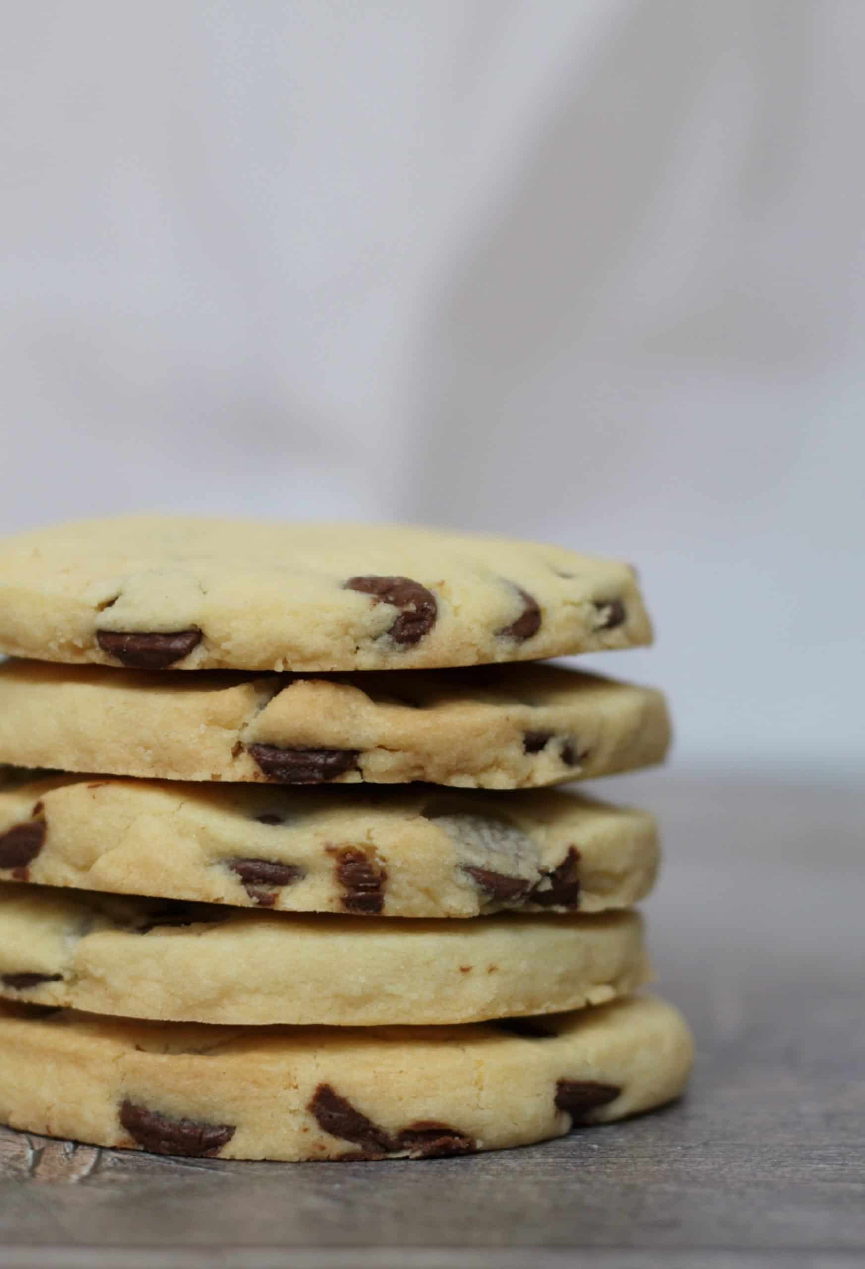 GLUTEN FREE CHOCOLATE CHIP SHORTBREAD COOKIES 4