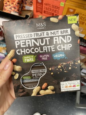 m&s gluten free fruit and nut bar 3