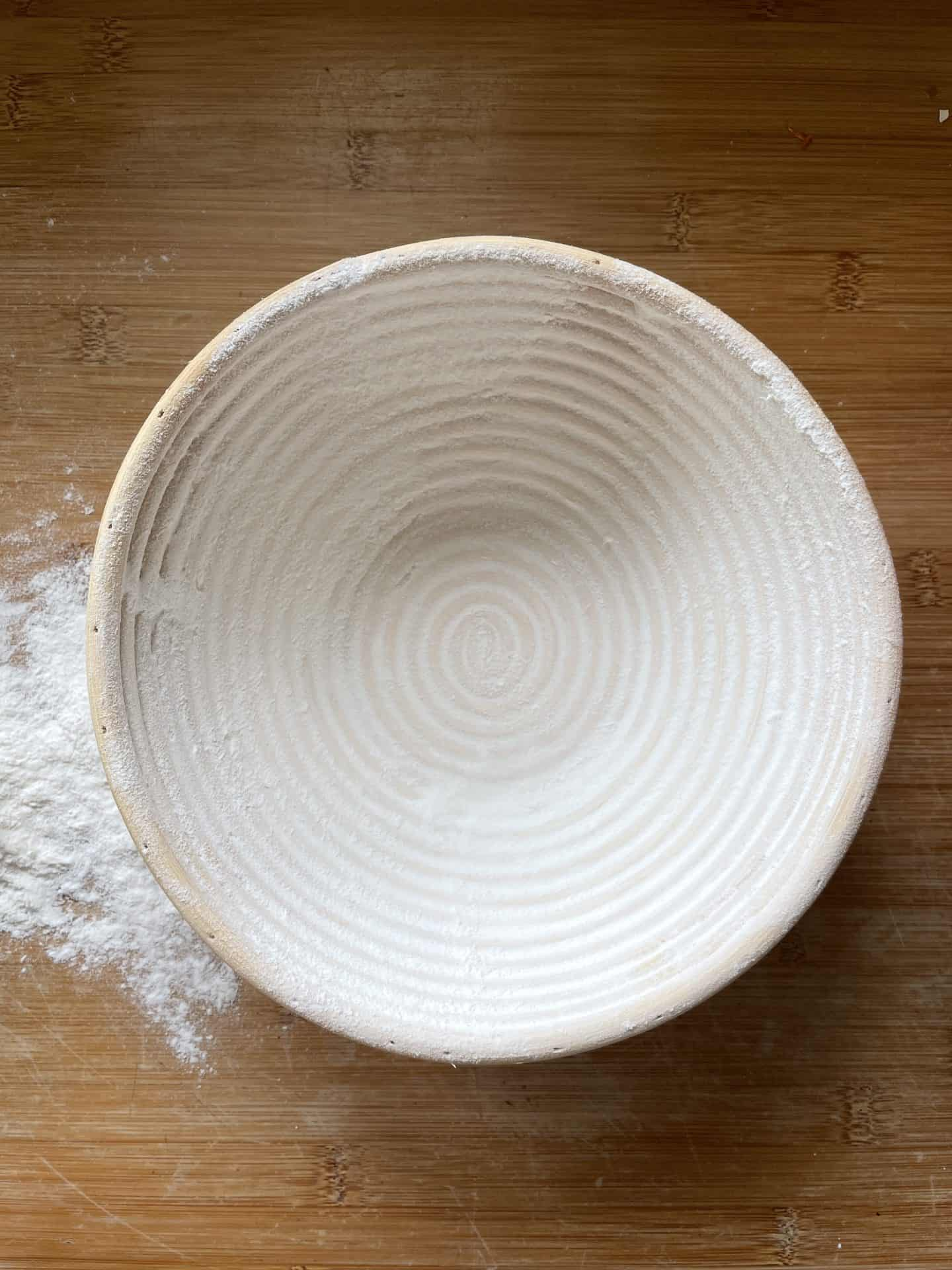 how to flour a bread banneton to stop it sticking